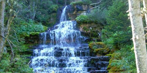 Crystal Cascades Trail